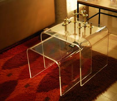 tables gigognes en plexiglas 70 39 lire. Black Bedroom Furniture Sets. Home Design Ideas