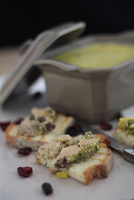 Terrine de foie gras aux cranberries s ch es et aux - Cuisson foie gras en terrine ...