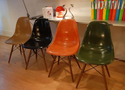 dining chairs eames voir. Black Bedroom Furniture Sets. Home Design Ideas
