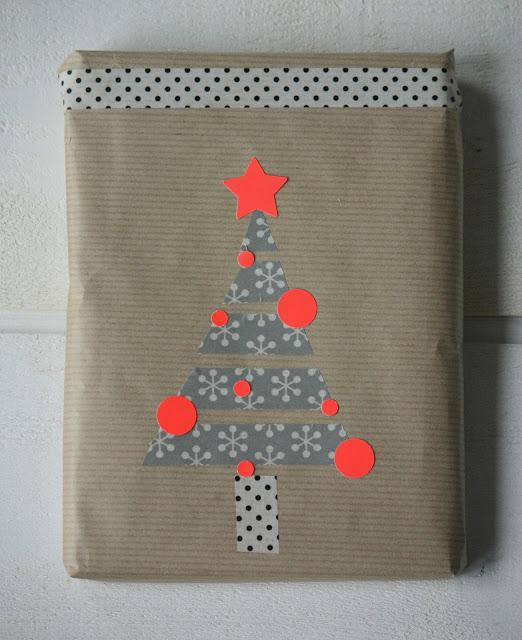 craft-christmas-tree-wrap
