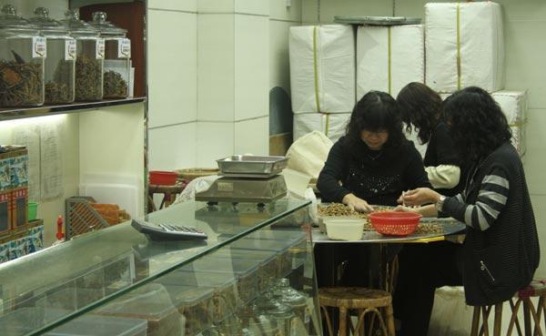 Tradition : préparation dans une pharmacopée chinoise