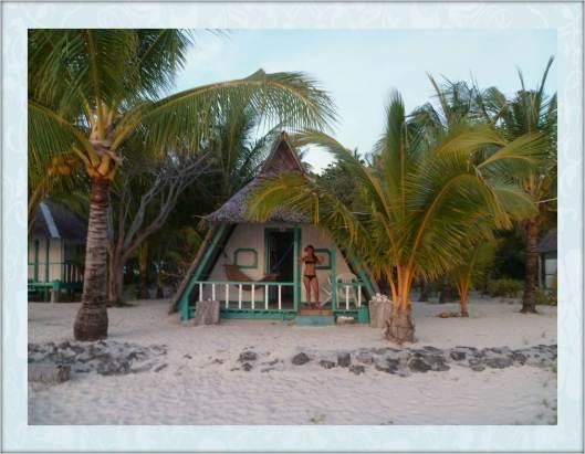 Philippines - Roxas - Modessa island resort bungalow