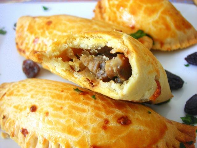 Empanadas champignons raisins sec amuse bouche repas de fetes paperblog - Amuse bouche chaud ...