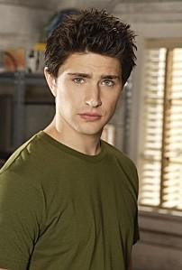 matt dallas gay il fait son coming out paperblog. Black Bedroom Furniture Sets. Home Design Ideas