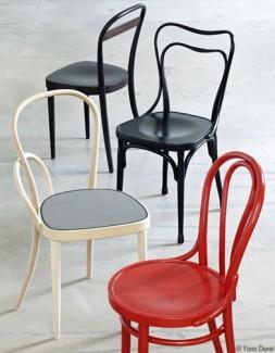 zoom sur la chaise thonet lire. Black Bedroom Furniture Sets. Home Design Ideas