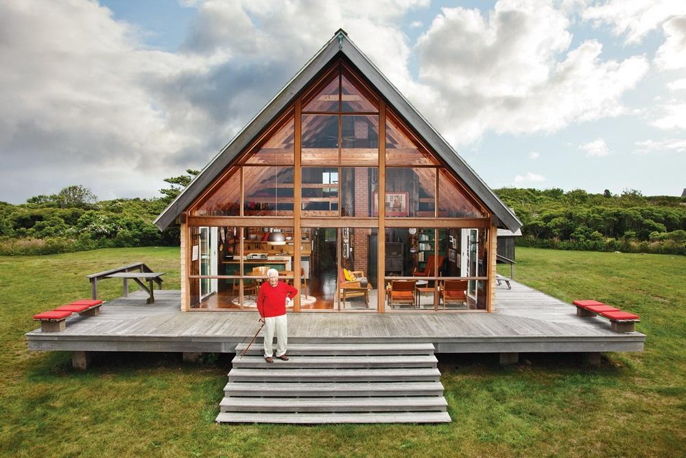 Visite priv e une maison de vacances scandinave aux etats unis the jens ri - Maison en bois scandinave ...