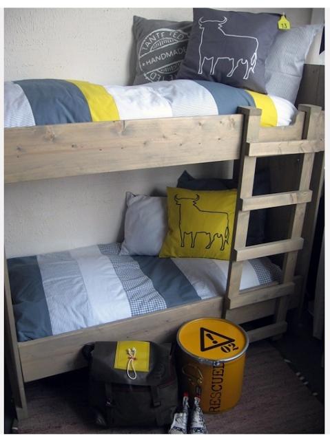 Chambre enfant : une touche de jaune!  À Découvrir