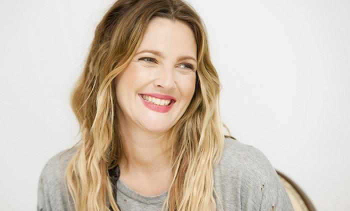 drew-barrymore-happy-wallpaper-1973