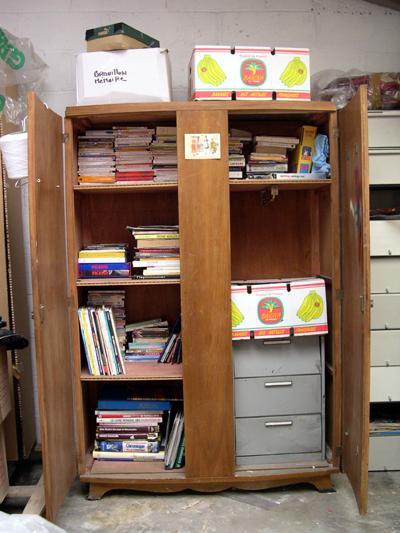 ... comme rangement temporaire, le temps de réorganiser les armoires