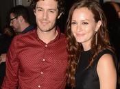 Couple Alerte Leighton Meester Adam Brody ensemble