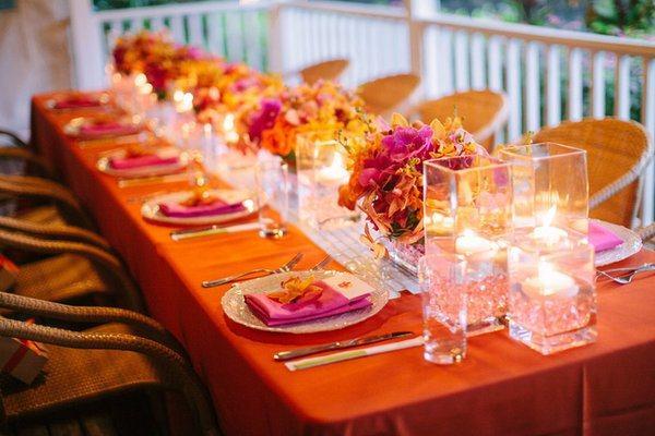 D coration de mariage orange paperblog - Nappe fushia table ...