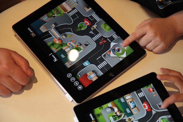 antoine et z lie la s curit routi re est un jeu d 39 enfant voir. Black Bedroom Furniture Sets. Home Design Ideas