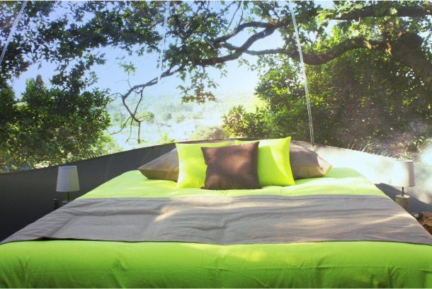 dormir dans une bulle transparente paperblog. Black Bedroom Furniture Sets. Home Design Ideas