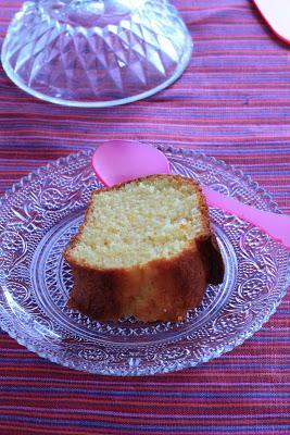 Topfengugelhupf , gâteau autrichien au fromage blanc parfumé aux zstes d'orange
