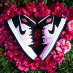 Air Jordan 1 Mid GS Ion Pink