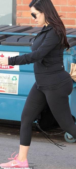 Kim kardashian enceinte porte toujours du moulant et on - Fausse couche mais toujours enceinte ...