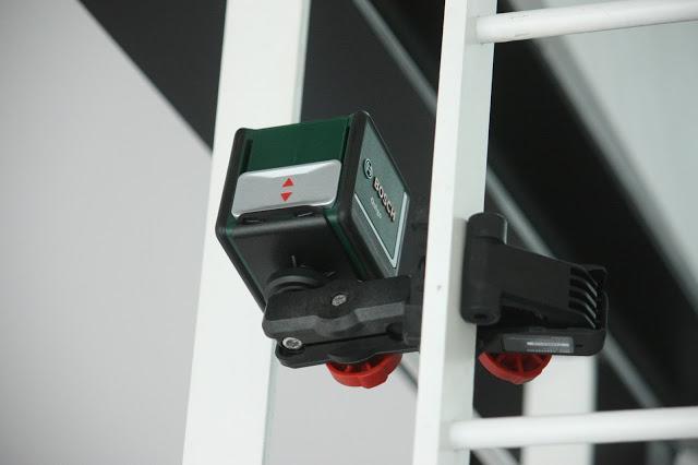 Niveau laser quigo 2 par bosch paperblog for Niveau laser pour plafond