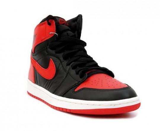 air-jordan-1-high-og-black-red-holiday-release-1