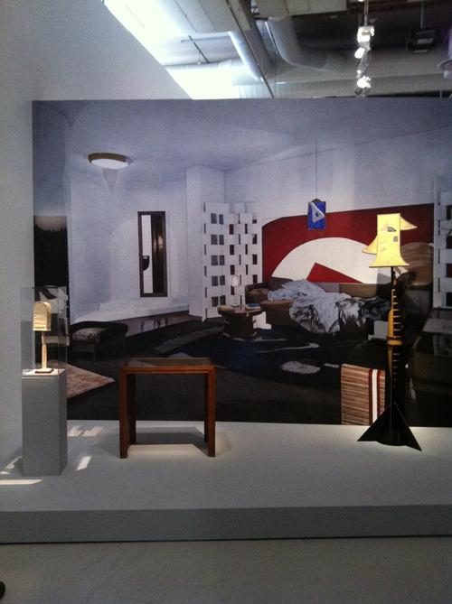 reportage photo l 39 exposition eileen gray au centre. Black Bedroom Furniture Sets. Home Design Ideas