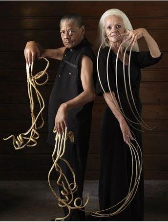 bc9ea7874ae The longest fingernails on a pair of male hands belonged to Melvin Boothe  (USA) ...