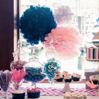 Candy bar avec bonbonnières en verre pour décorations de bar a ...