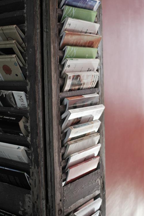 Recycler de vieux volets lire - Tete de lit avec vieux volets ...