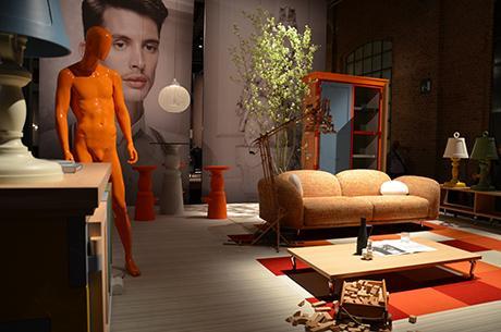 le salon du meuble de milan c t off 5 le show room explosif de moooi paperblog. Black Bedroom Furniture Sets. Home Design Ideas