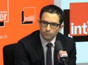 Benoît Hamon présente actions groupe Conseil ministres
