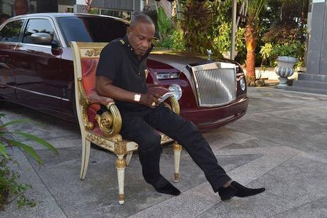 Koffi Olomidé offre une Rolls Royce a sa femme!