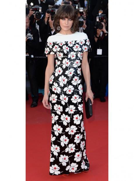 L'égérie L'Oréal Paris Milla Jovovich en Chanel haute couture printemps-été 2013