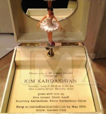 Si  vous êtes conviés a la baby shower de Kim Kardashian vous revevrez ça ...
