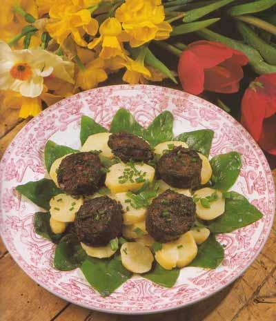 Salade de charlotte au boudin noir