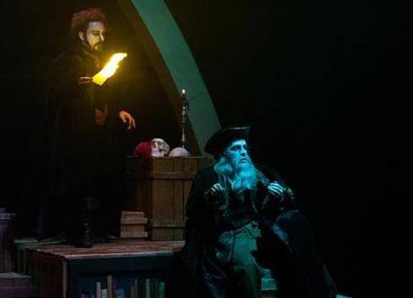 Le bon docteur Faust soutiendra t-il la révolte paysanne ou vendra t-il son âme au diable en ralliant les princes ? (photos : Carine Bœuf)