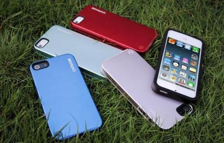 Coque Hybride Alumor Jacket Elli pour iPhone 5 (Aluminium et Silicone)...