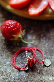 C'est le temps des fraises et forcément des tartes aux fraises ! Tarte aux fraises et pistaches au menu !
