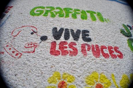 Graffiti Vive Les Puces