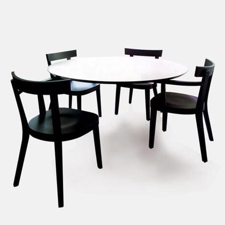 Floating Table la table sans pied par Ingo Maurer
