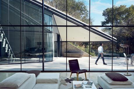 edgeland-house-living-room-windows