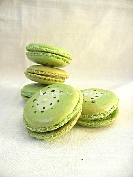 kiwi macarons