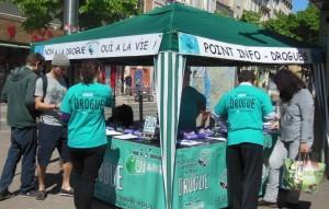 Stand d'info sur la drogue Marseille