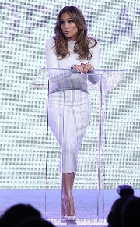 Jennifer Lopez à une conférence de presse pour Verizon Wireless - 22.05.2013
