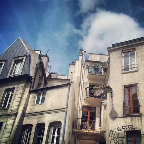 gaga_one_balcon-rue-de-turenne