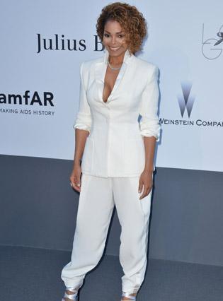 Janet Jackon au Cap d'Antibes : sublime dans son ensemble blanc !