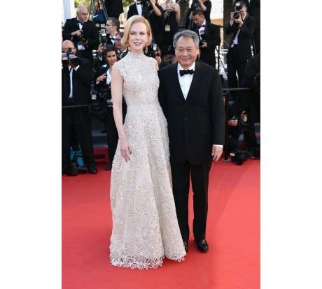 Les deux membres du jury, Nicole Kidman en robe Valentino haute couture printemps-été 2013, accessoirisée de bijoux Cathy Waterman et Ang Lee