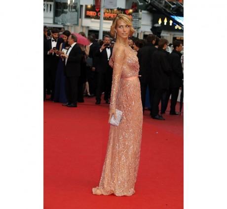 Petra Nemcova en robe Elie Saab haute couture printemps-été 2012 accessoirisée de bijoux Chopard