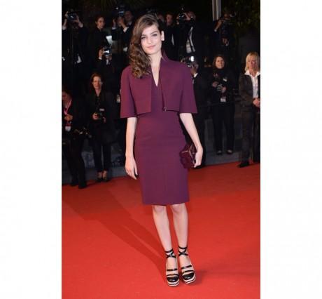 Alma Jodorowsky en robe Chanel Haute Couture Automne-Hiver 2010-2011