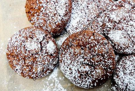 Biscuits craquelés au chocolat / Cracked Chocolate Cookies
