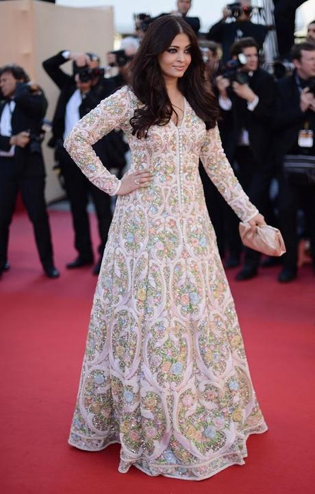 Les plus belles robes du festival de cannes voir - Regarder coup de foudre a bollywood en streaming ...