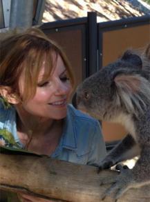 PHOTO Geri Halliwell : un koala fait pipi sur son sac