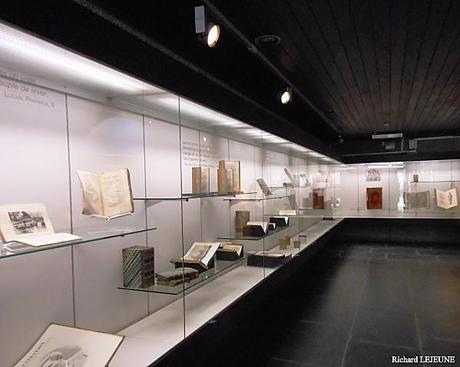MARIEMONT - Première salle de documents anciens (24-04-201